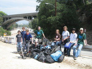 Highlight for Album: Arroyo Seco cleanup service project - May 2007